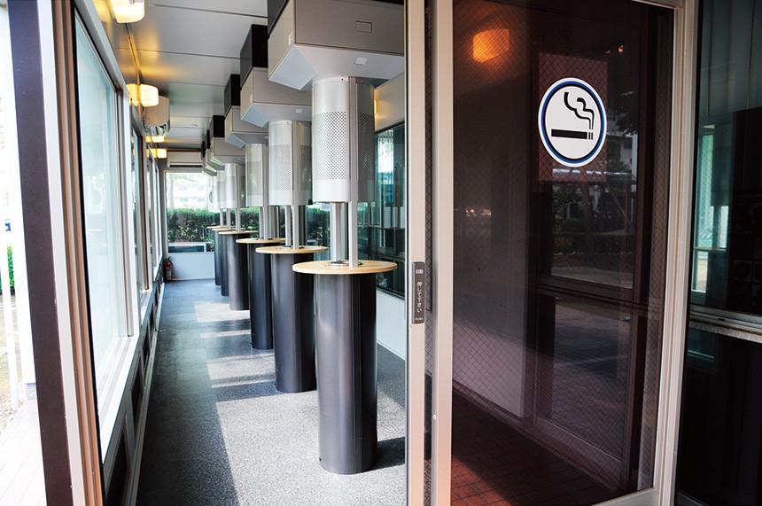 中央棟喫煙ボックス