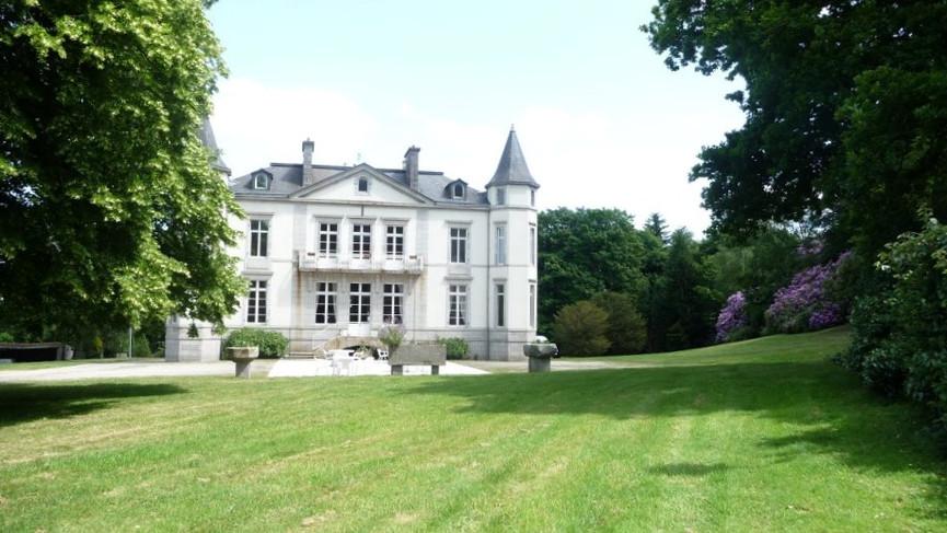 parc et chateau de brezal.jpg