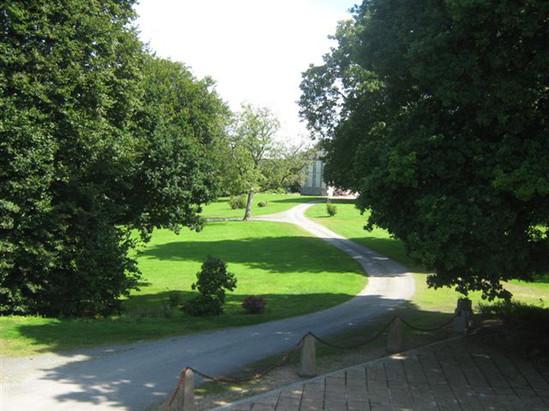 jardin du domaine de brezal.jpg