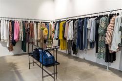 Tøj til udstilling i HØGH