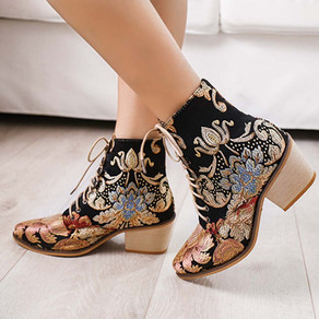 Large Size Women Pointed Toe Embroidered Lace Up Block Heel Short Boots