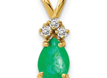 14k Emerald Diamond pendant