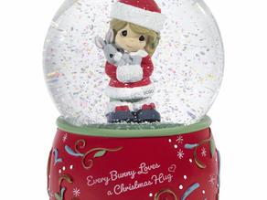 Every Bunny Loves A Christmas Hug 2020 Girl Christmas Snow Globe