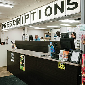 Mint Health + Drugs - Peace River, AB