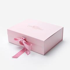Cajas rígidas abiertas con solapa rosa en india.jpg