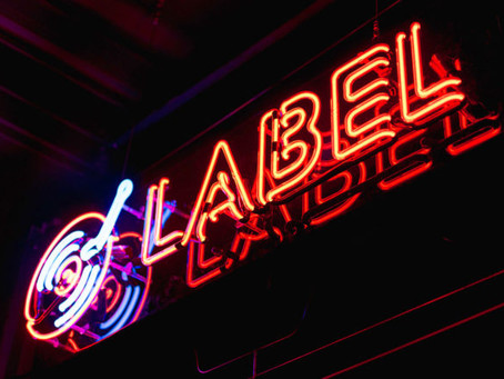 BEING AN INDEPENDENT ARTIST VS. SIGNING TO A RECORD LABEL