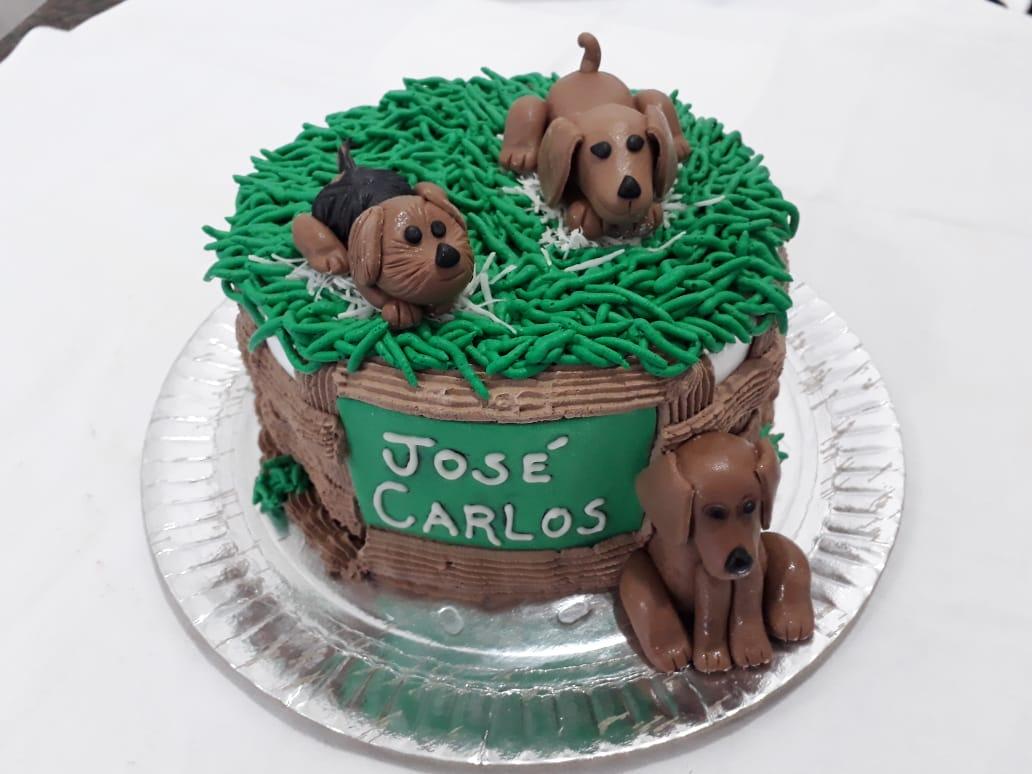 Bolo Confeitado tema Cachorros