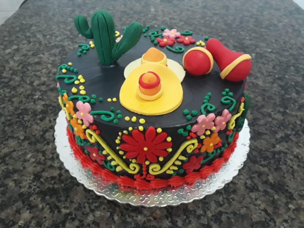 Bolo de chantilly  tema mexicano