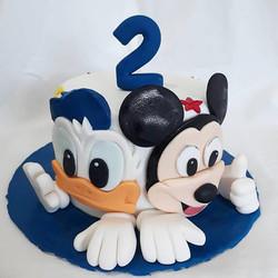 Bolo de pasta americana Mickey e Donald
