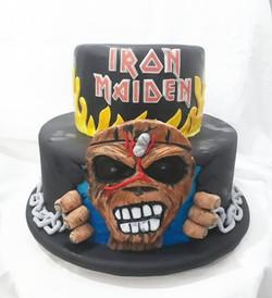Bolo Iron Maden
