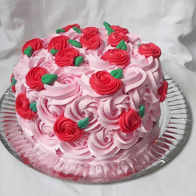 Bolo de chantilly, para aniversário femi