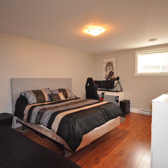 Basement Bedroom #1-DSC_0191-min.jpg