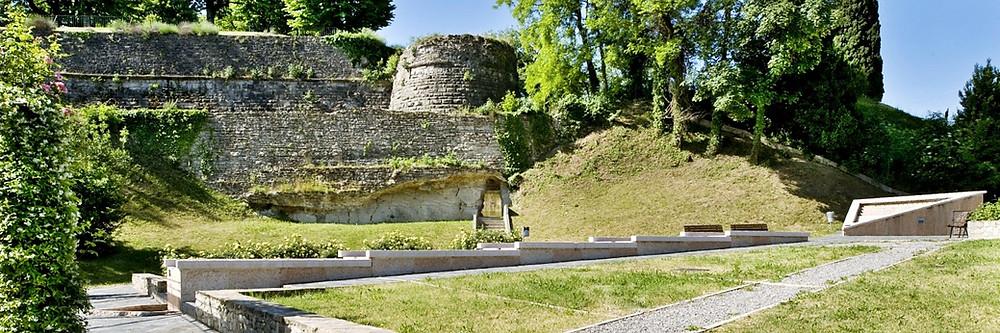 Die Wehrburg von San Vigilio oberhalb von Bergamo