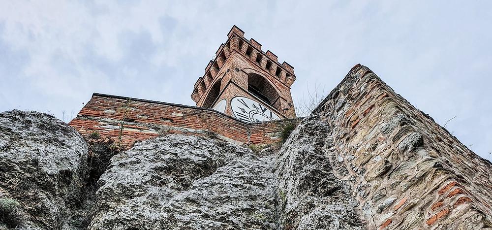 Der Uhrenturm und ehemaliger Wehrturm von Brisighella