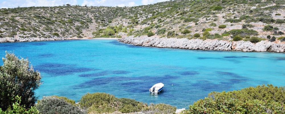 Die Bucht von Agia Dynami