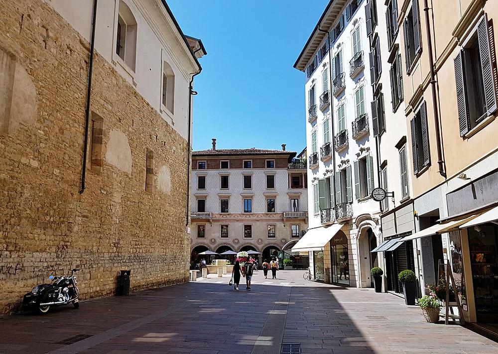 Erkundungstour durch die Gassen der Città Bassa