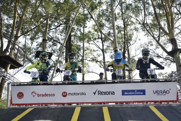 Gate de largada da Copa América de Downhill (Leo Shibuya / MBraga Comunicação)