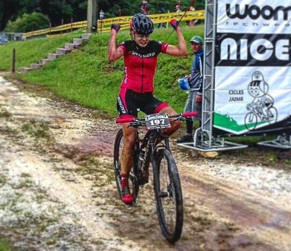Bruna Elias estreia com vitória naTaça Brasil de MTB