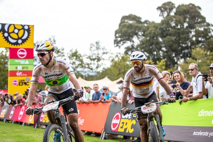 Henrique Avancini e Manuel Fumic ocupam a segunda colocação geral da Cape Epic 2019