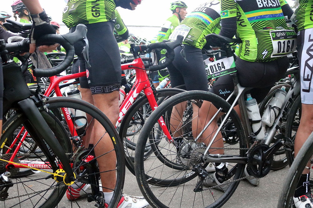 Ciclistas esperando a largada / Márcio de Miranda - Planeta da Bike