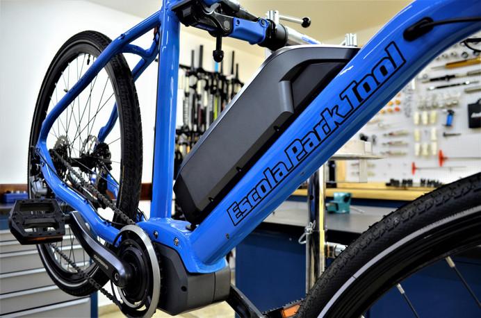 Escola Park Tool: curso de montagem e manutenção de bikes elétricas é novidade no mercado de bicicle