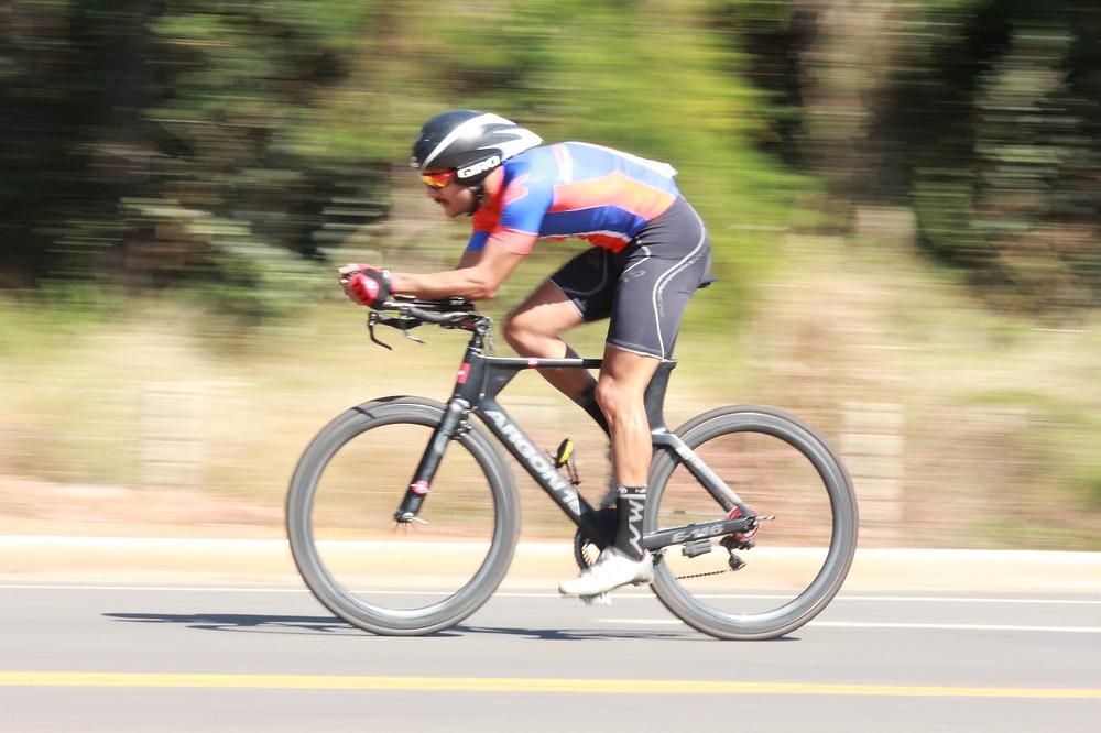 Ciclista fazendo força no Campeonato Bras. Master & Sub-30 - CRI / Azimute-Moisés Saba 1.JPG