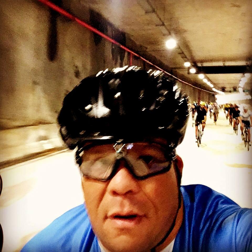 Pedalando no túnel Marcello Alencar / Márcio de Miranda