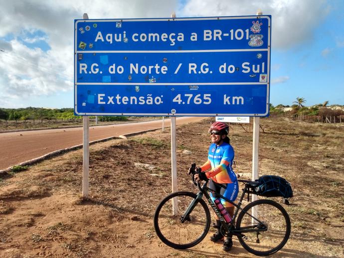 Rosi de Melo e Roberto Carvalho completam o Desafio BR-101 e doações vão ajudar mais de mil crianças