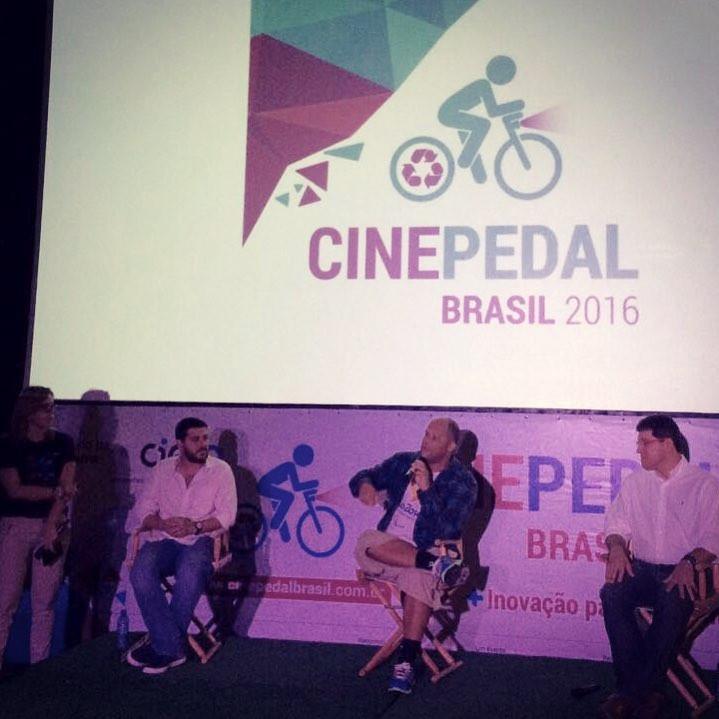 Fred Sampaio (Respeite), Márcio de Miranda e outro palestrante no Cine Pedal 2016 / Jacqueline Howard