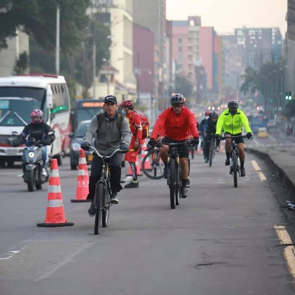 Ciclistas na ciclofaixa / Acervo UCB