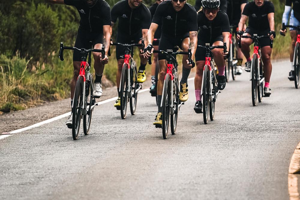 Ciclistas durante o Test The Best / Divulgação