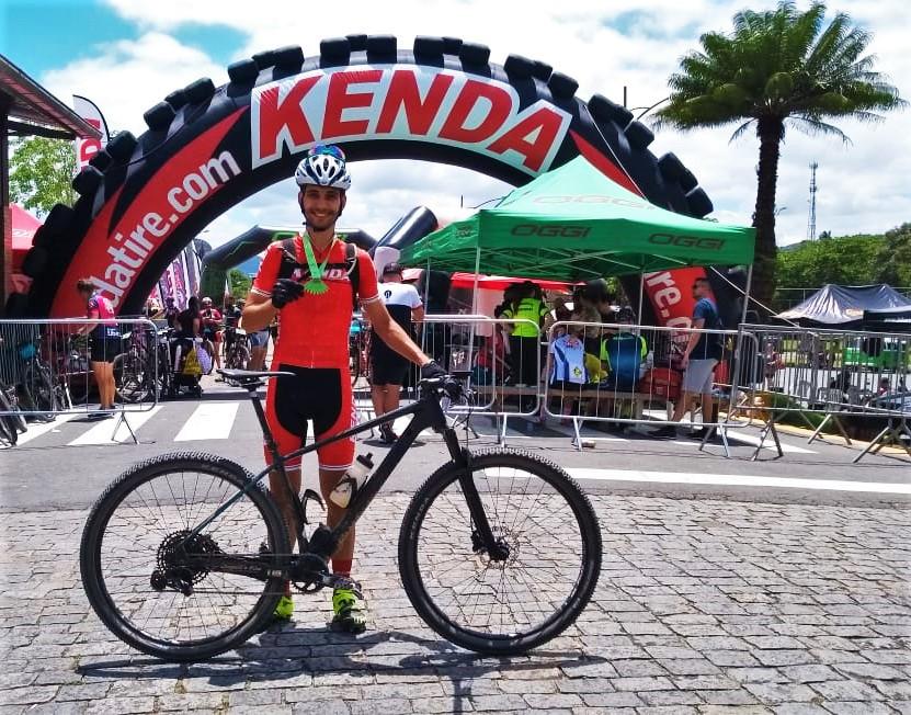 """Rodrigo Hang - vencedor da campanha """"Atleta Kenda por um dia"""" em 2019"""