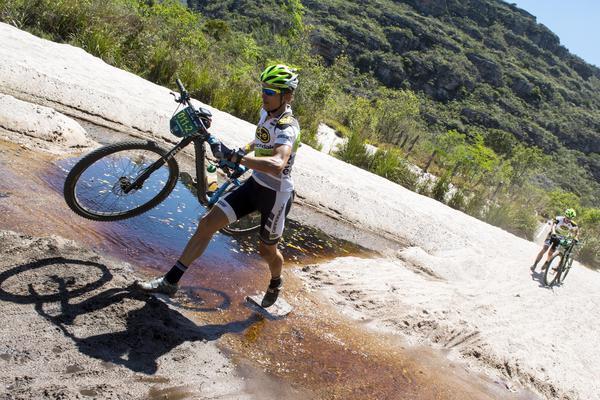 Lukas Kaufmann em vitória no prólogo da Brasil Ride 2015  (Ney Evangelista / Brasil Ride)