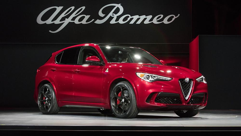 Alfa Romeo Stelvio será um dos carros usados pela organização do Giro / Divulgação