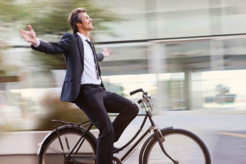 Bicicleta como meio de transporte / Reprodução Internet
