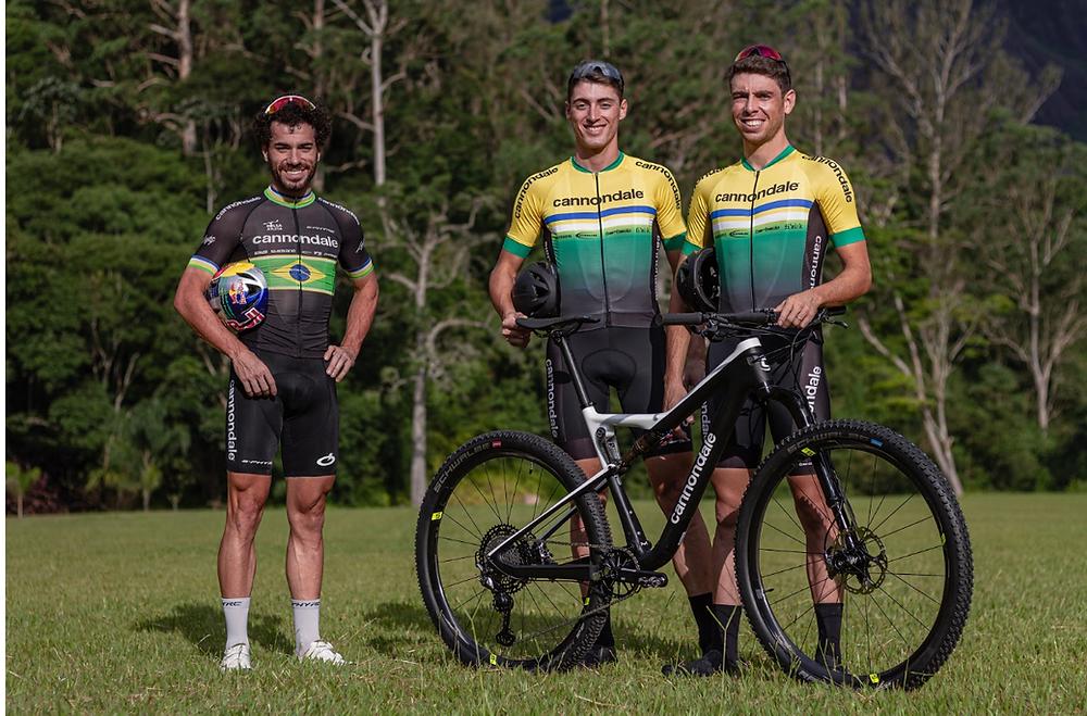 Avancini e o time Cannondale Racing Brasil / Felipe Almeida