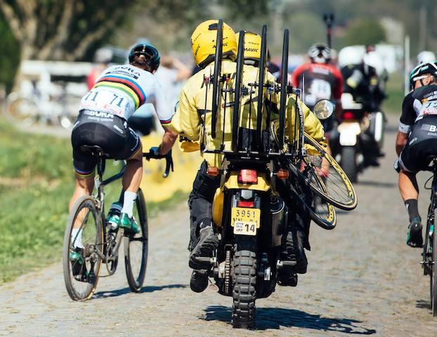 Sagan nos paralelepípedos da Paris-Roubaix /  © A.S.O. _ Gruber Images.jpg