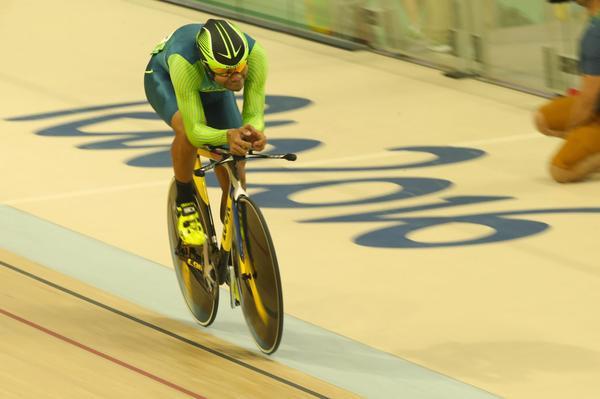 Gideoni Monteiro disputa neste sábado a terceira etapa da Copa do Mundo de Ciclismo de Pista