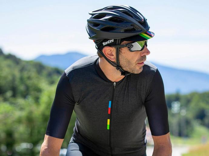 A UCI e sua parceira Santini lançam uma coleção nas cores de Campeão do Mundo para Decathlon