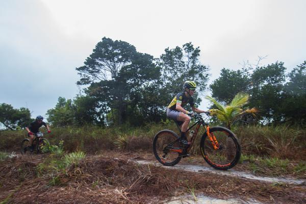 Jaqueline Mourão, vitória no Prólogo (Wladimir Togumi / Brasil Ride)