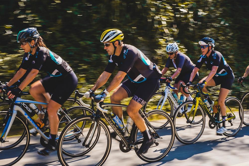 Ciclistas durante o reconhecimento do percurso / Divulgação