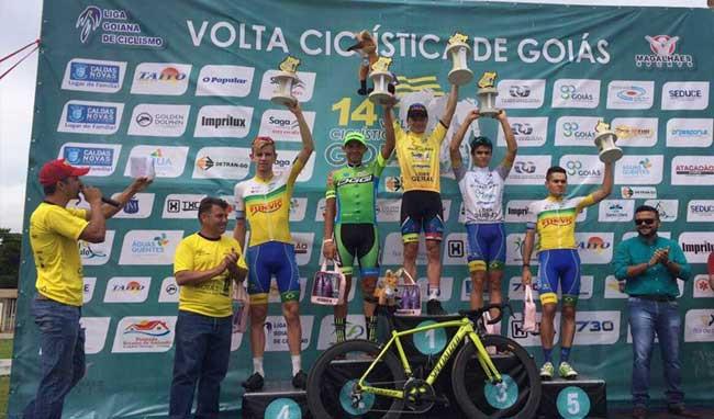 Maurício Knapp levantou os dois troféus da Volta de Goiás de 2017 / Martinez Comunicação