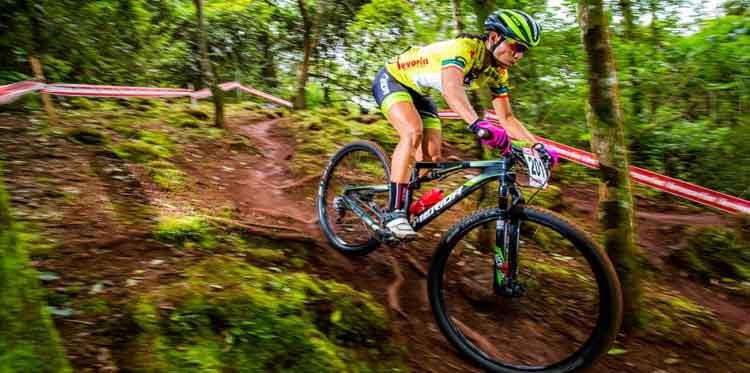 Augustina Apaza em ação / Thiago Lemos_Pedal.com.br.jpg
