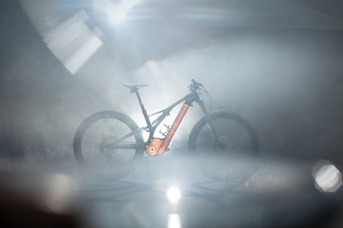 Specialized lança nova mountain bike elétrica mais leve e eficiente