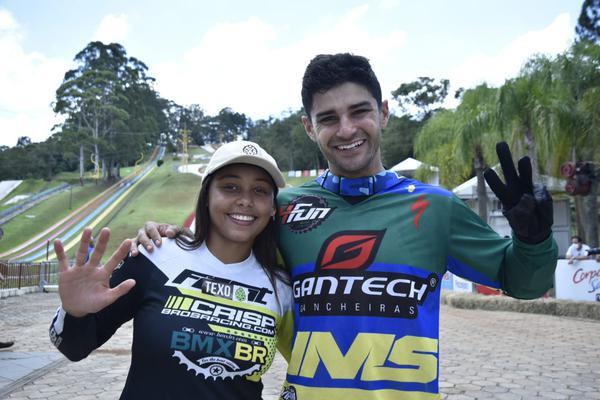 Copa América de Downhill 4X 2021 :Gabriel Giovannini e Julia Alves vencem a competição
