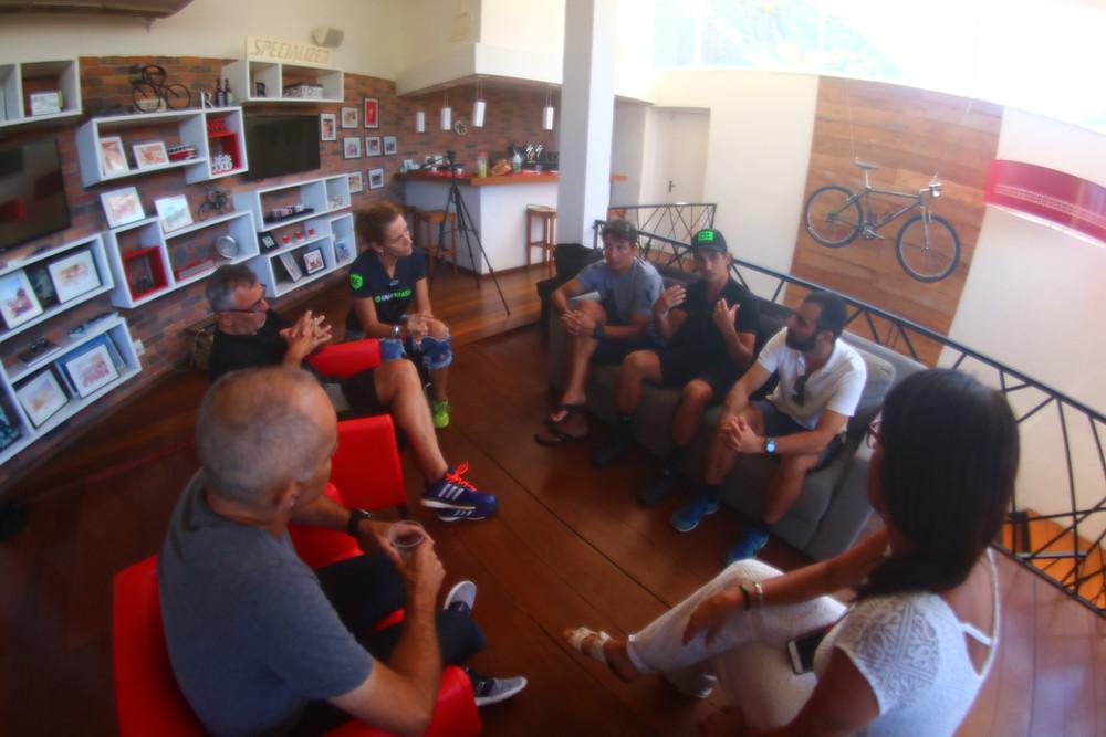 Treinadores reunidos com a organização do GFNY Brasil