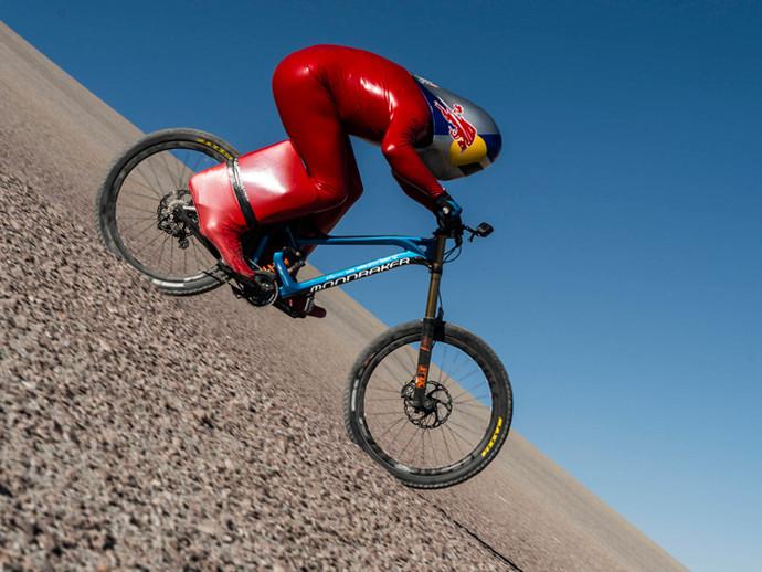 Austríaco bate recorde mundial de velocidade em mountain bike