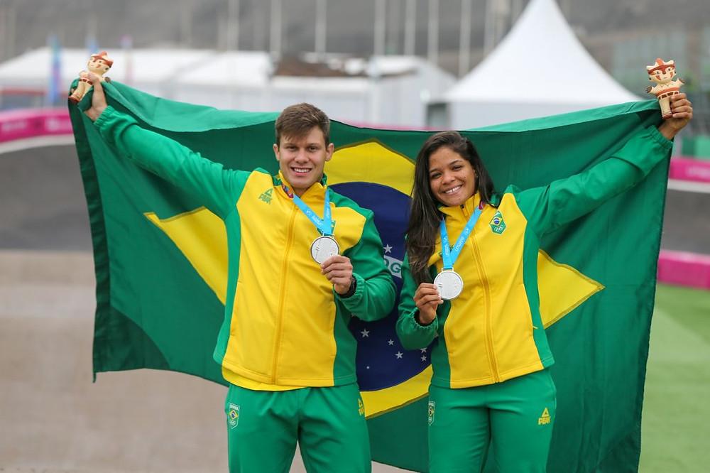 Anderson e Paôla levam prata / Abelardo Mendes Jr - Rede do Esporte