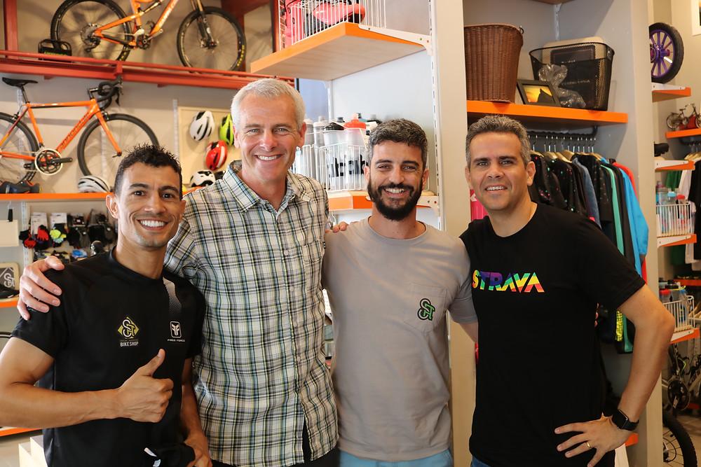 Igor (S.A Bike Shop), Mark, André (SA Bike Shop) e Guilherme / Márcio de Miranda - Planeta da Bike