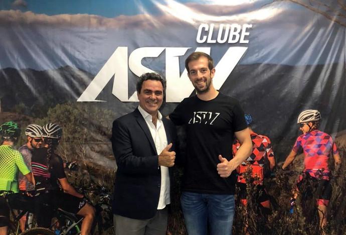 ASW Racing e CBC firmam parceria para fornecimento de material esportivo